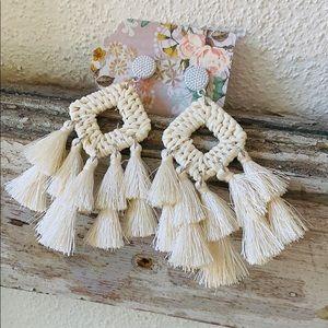 🌴 Gorgeous Tassel Earrings 🌴